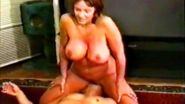 Calvo peludo follando lesbianas xxx calientes con la vecina