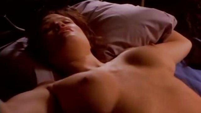 Alexia Salas Webcam maduras peludas y calientes - Botas y masturbación