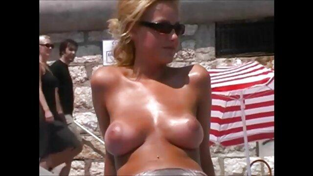 Despiértalo de esta gordas desnudas calientes manera por la mañana