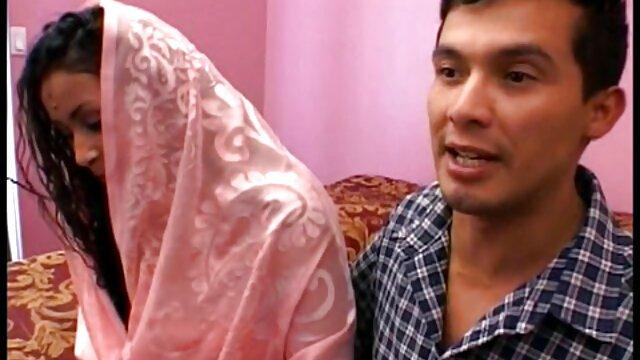 BONDAGE MULTITUD - La sumisa Amirah Adara cogiendo señoras calientes primera vez follando BDSM