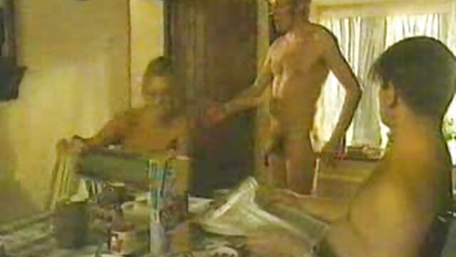 Milf mesicana lesbianas calientes masturbandose