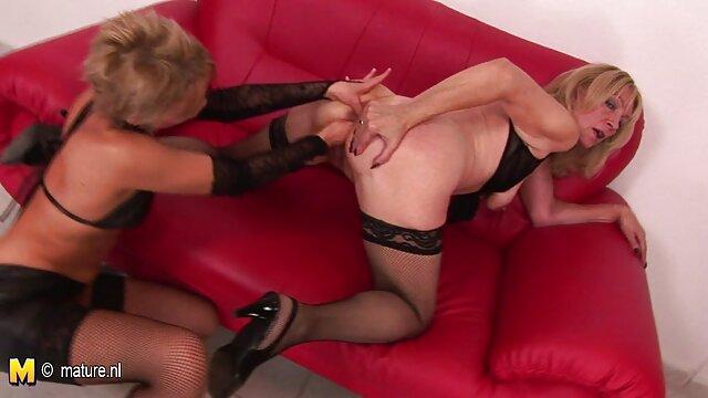 La doctora Angela, de grandes tetas, videos xxx culonas calientes le come el coño a su paciente Serena Blair