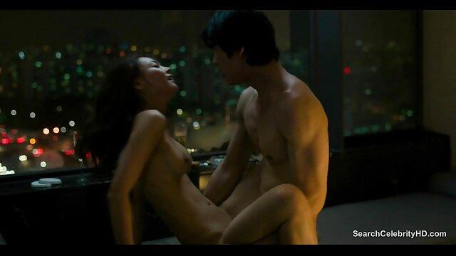 KINKY TUTOR - muchachas culonas calientes La MILF caliente Angel Wicky seduce y se folla a un estudiante