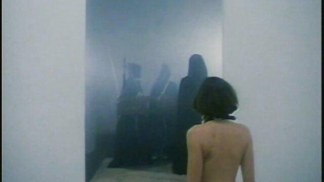 Leena conoce a Frankenstein (1993) videos pornos culonas calientes