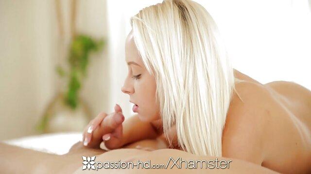 Betty Foxxx penetrada ásperamente por un gran examinador culonas calientes desnudas amartillado