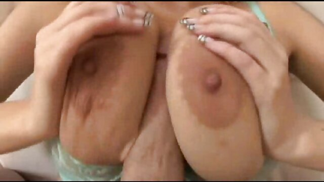 Rubia porno calie Teeny BOOM BOOM