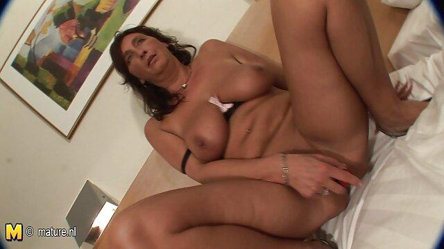 VirtualTaboo.com Hermana tetona seduce peliculas de lesbianas calientes a su joven hermanastra