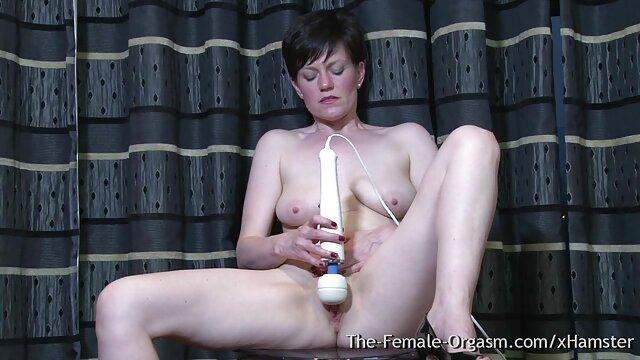 Jinete gana lesbianas calientes haciendo el amor la carrera