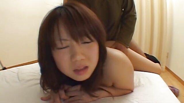Julie Skyhigh hace una garganta profunda mexicanas calientes videos a una polla monstruosa antes del sexo anal