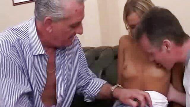 Nick Vargas le come el coño a la abuela videos de chilenas calientes Valerie Voss
