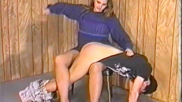 Novia hace una gran mamada en xxnx caliente pov