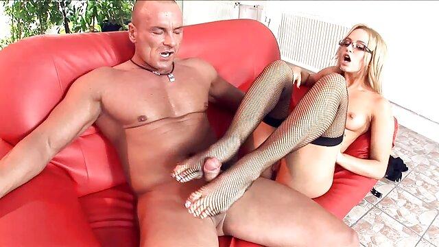 Peter y videos calientes gratis Anna en una buena sesión de sexo sensual