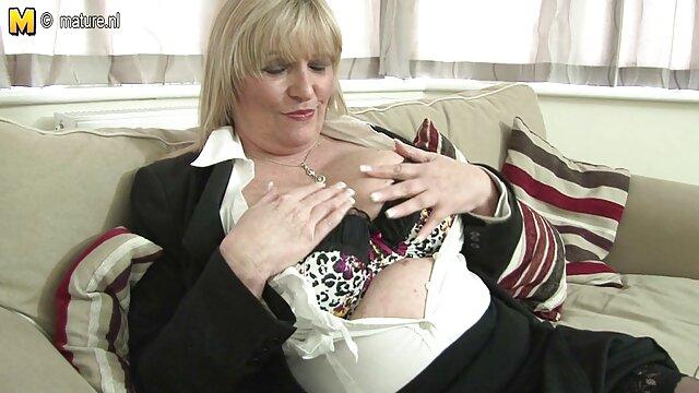 Esposa madura usando la máquina de follar videos de colegialas calientes máquina sexual - Phillip