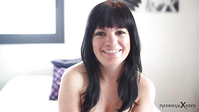 Sarah Jessie sabe chupar y videos de maduras calientes follar