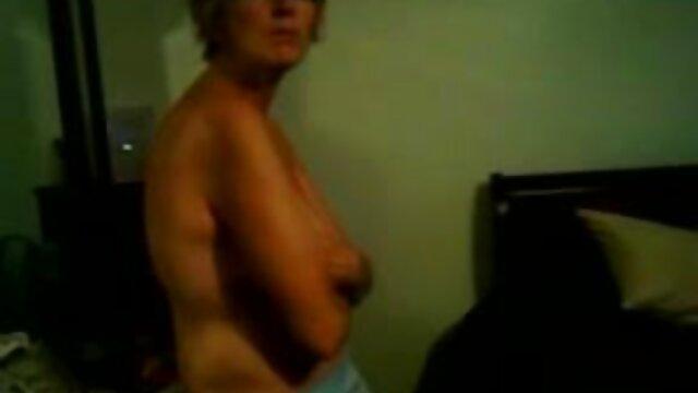 Italiano mama caliente cojiendo retro milf