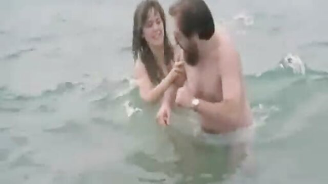 Milf rubia con enormes tetas naturales videos ardientes de sexo