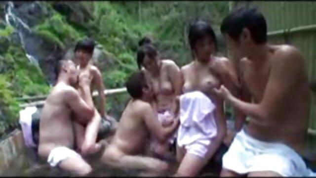 Cámaras de ducha voyeur: rubias expuestas videos calientes gratis