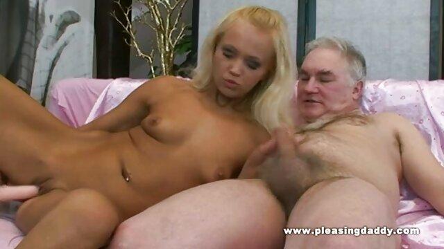 Sexo enloquecido quiero videos calientes Blondie Kiara Lord follada hasta el fondo por una BBC